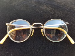 Antik aranyozott szemüveg Antik aranyozott szemüveg 9fe61034c6