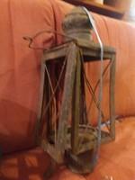 Hatalmas bányászlámpa-tok, kissé avíttos, de tiszta időutazás!