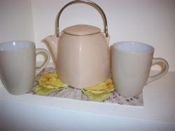 Porcelán teáskanna ajándék bögrékkel