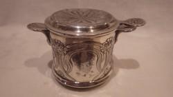 Jelzett ezüstözött teaszűrő különlegesség , pohárra helyezhető