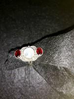 Ezüst gyűrű  rubin  holdkővel   57  méret  9000  ft   szép  állapotban