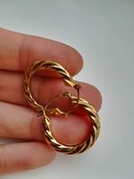 Nagyméretű arany fülbevaló dekoratív nagy ékszer