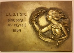 Ping pong női egyes I.1934. sportérem bronz mérete:74mmX51mm, vésett L.L.G.T.S.K.
