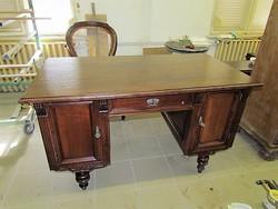 Ó-német íróasztal felújítva