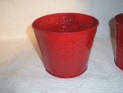 Cserép - fém - dombornyomott - rózsamintás - mély piros 13,5 x 11cm