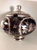 Bólés tál ezüst festett szecessziós madaras aprólékos díszítéssel ametiszt színű üveg