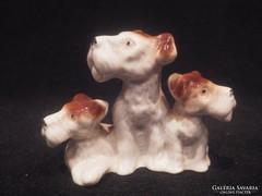 3 kutya porcelán szobor