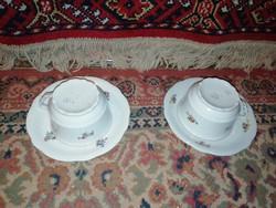 Eladásra kínálok Zsolnay teás 2 db csésze és 2 db alj hibátlan állapotban virágos