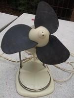 Retro rakéta formájú bakelit ventillátor Ikladról cc.60-es évek,tökéletesen működik