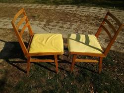 Retro jó formájú '64-es szék - szögletes szélű masszív kivehető üléslapos székek