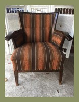 Muatós,kecses,kis méretű fotel