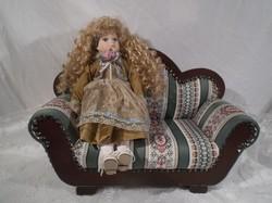 Porcelán - Baba + kanapé - Osztrák - kézműves darabok az ár 2 darabra vonatkozik!