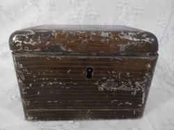 Antik - fém -  dobozka - kulcs nincs - 13 x 9 x 9 cm