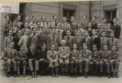 0U004 Régi iskolai fotográfia csoportkép 46 fő