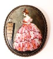 Porcelánra festett miniatűr ovális keretben medál