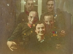 0U003 Régi katonai fotográfia csoportkép 1942