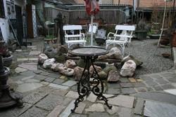 Varázslatos öntöttvas asztalka a XIX.  elejéről