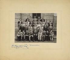 0U005 Régi iskolai fotográfia csoportkép 39 fő