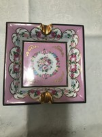 Álomszép rózsaszin dusan aranyozott porcelán hamutál.