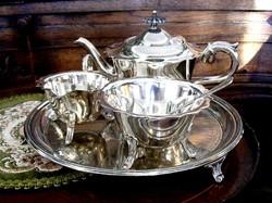 Ezüstözött Sheffield teás vagy kávés készlet, gyönyörű cizellált háromlábú tálcán