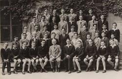 0U006 Régi iskolai fotográfia csoportkép 46 fő