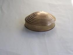 Szép régi réz kagyló alakú ékszertartó.