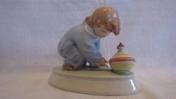 Régi pajzspecsétes Zsolnay porcelán búgócsigás fiú Sinkó szobor