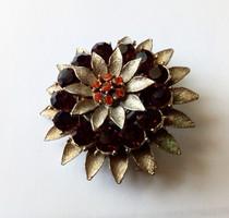 Elegáns virág bross 68.