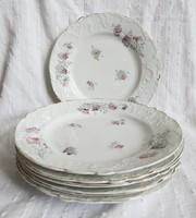 Jelzett, kézzel sorszámozott, szecessziós, anyagában extra dúsan mintázott tányérok
