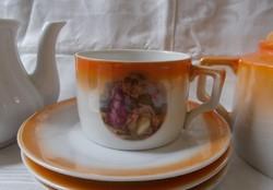 Zsolnay mitológiai jelenetes angyalkas csésze és alja
