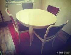Chippendél barokk törtfehér étkezőgarnitura 4 székkel 104cm