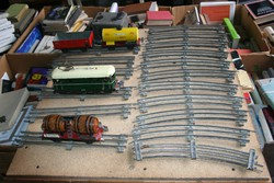 Eladó a képeken látható 0-as vasútmodell