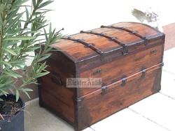 Antik bútor, régi utazó láda 14. Felújított.