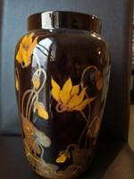 Különleges, egyedi Zsolnay kéttüzű eozin váza sárga virágokkal hibátlan