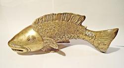 Nagyobb kidolgozott hal, dísztárgy