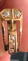 Nagyon szép, egyedi fazonú brill köves női gyűrű