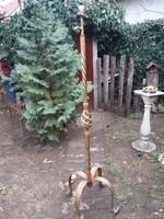Kovácsoltvas álló lámpa, fémbútor