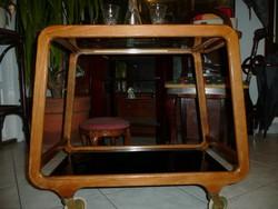 Nagyon ritka trapéz alakú üveges Art Deco zsúrkocsi teljesen stabil, hibátlan állapotban