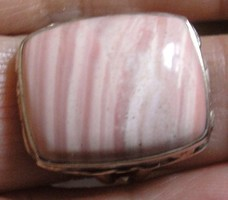 925 ezüst gyűrű, 17,9/56,3 mm, rodokrozittal