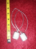 Ezüst  fülbevaló   925  ezüst   5 cm  hosszú    kristályokkal  kirakva   5000 ft