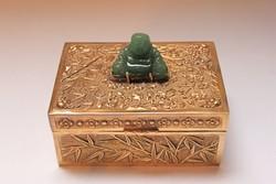 Csodás, Buddhás aranyozott ezüst doboz!