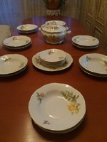 Zsolnay sárga rózsás 6 személyes étkészlet