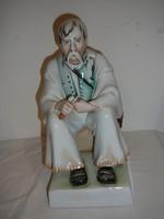 Zsolnay szalonnázó paraszt szobor