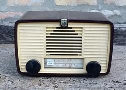 Régi bakelit házas Philips rádió