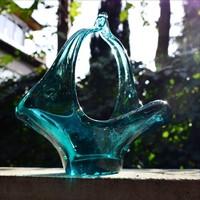 Tengerkék kézműves üveg asztalközép, kínáló kosár