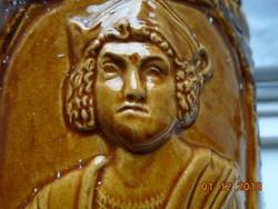 Kolumbusz és Magellán dombor portréjával Dümler-Breiden német majolika váza