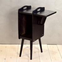 Nevco design retró újságtartó asztalka lecsukható füllel