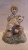 Fiú cicával porcelán szobor