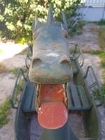Szép egyedi régebbi/retró sárkány felépítmény