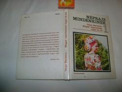 Varga Marianna: Magyar népviseletek régen és ma - 1982